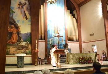 Bishop Alfred Schlert delivers the homily.